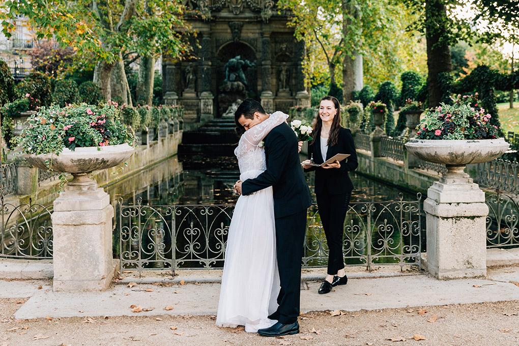 fountain medics elopement Paris france